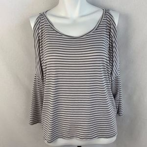Abercrombie & Fitch cold shoulder top - XS